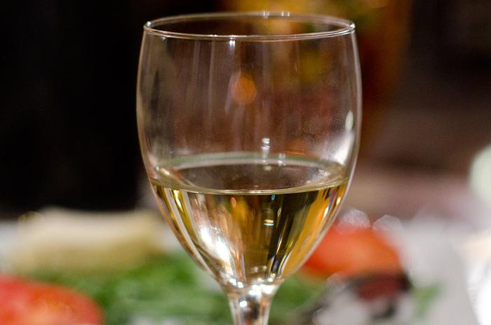 beber vinho branco